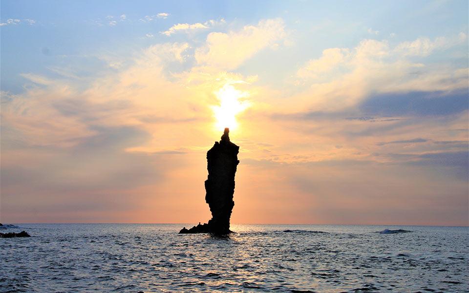 ローソク島(隠岐の島町)